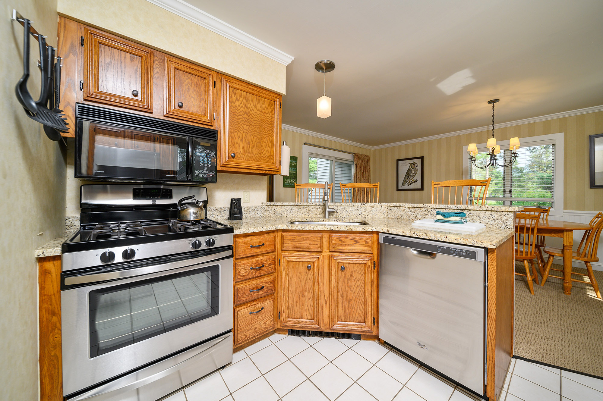 Town House Kitchen Room